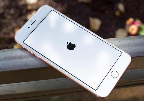 iPhone se inicia constantemente